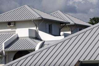 Крыша из профнастила: монтаж и цена за работу профессионалов